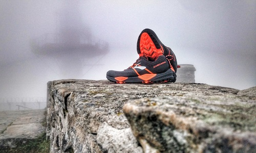TEST BROOKS CASCADIA 13